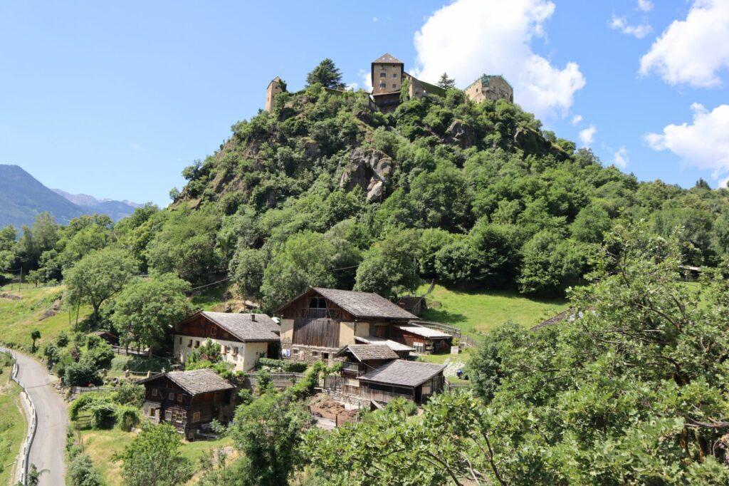 Vinschger_Höhenweg_Schloss_Juval